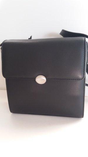 ESTELLE     Lederhandtasche, feines Kalbleder mit modernem Detail; NEU !!!