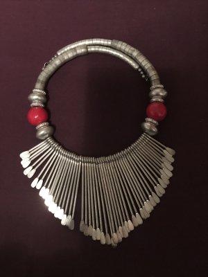 Ethnic Collier
