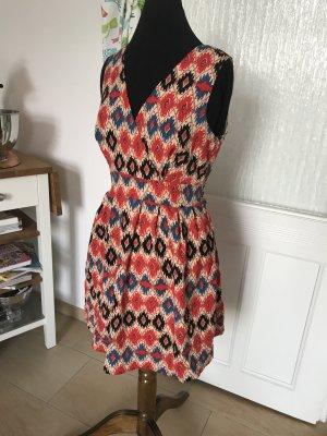 Ethno-Kleid