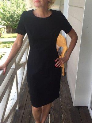 Etro Kleid, kleines schwarzes Gr. IT 46, fällt aber aus wie Gr. 38