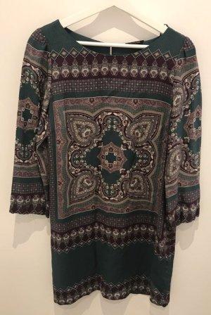 Etro-Stil Kleid von Massimo Dutti