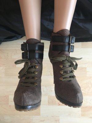 Etro versteckter Plateau Schnürstiefel Schnallenstiefel Ankle Stiefeletten Boots booties grau schwarz Echtleder Oliv Luxus Designer Profilsohle Bergstiefel like Army Military cool