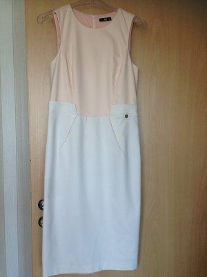 Etui Kleid elegant süß