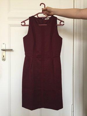 Etui-Kleid von Kiomi in Bordeaux