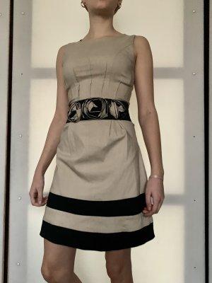 Etui Kleid von Rinascimento