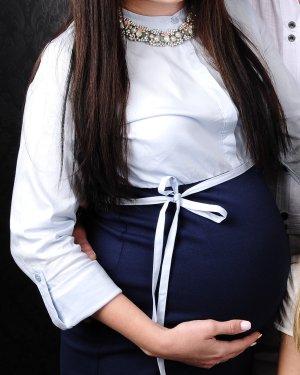 Etuikleid Schwangerschaft im Hemd Stil