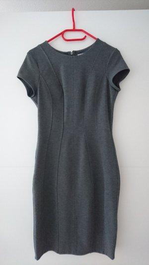 Etuikleid von H&M, grau, Größe M