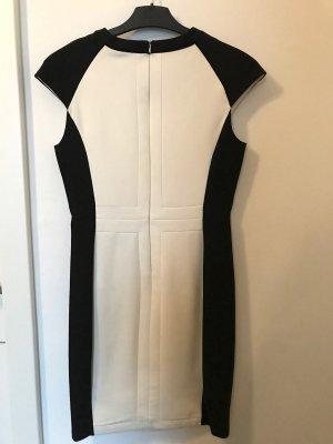 Zara Robe fourreau blanc-noir viscose