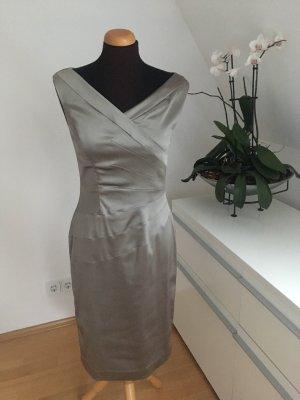 Ambiance Vestido ceñido de tubo color plata-gris claro
