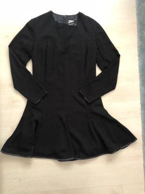 EVA HERMANN APART Schwarzes Kleid ausgestellt unten Tellerrock traumhaft!!!
