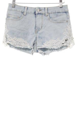 Even & Odd Shorts hellblau-weiß florales Muster Beach-Look