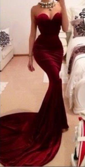 Evening gown redwine dress designer Romi kadosh