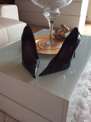 Evita Pumps/High Heels