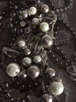 Exclusive Perlenkette- Collier
