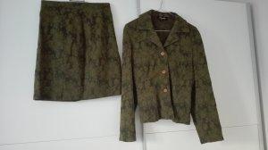 """Exclusives Kostüm Marke """"Simclan"""" mit einem Hauch Vintage Style"""