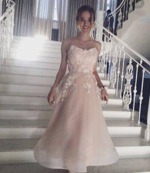 Exklusives Kleid für Anlass