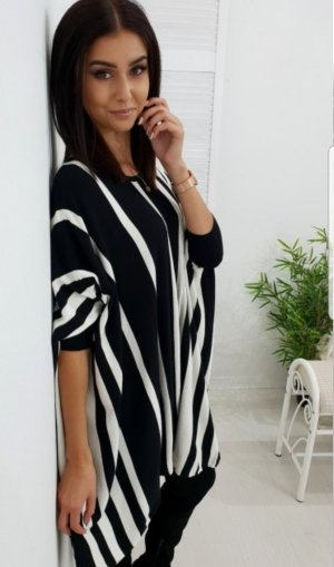 Poncho blanc-noir