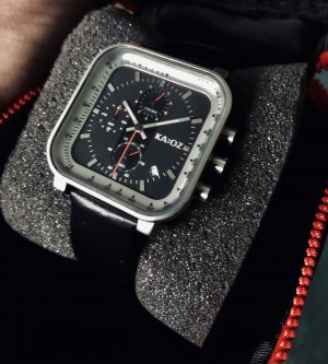 Watch With Leather Strap black-silver-colored stainless steel