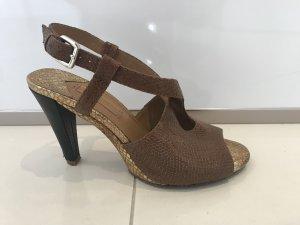 Extravagante Peep Toe Sandale von Uterqüe