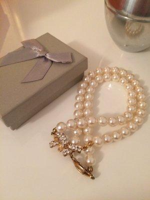 Extravagante  Perlenkette mit exclusivem Verschluß