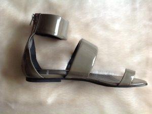 Extravagante PIERRE HARDY Sandalette aus Lackleder, neuwertig