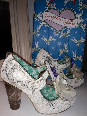 "Extravagante Pumps von ""irregular choice"""