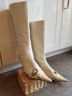 Extravaganter Stiefel von Roberto Botella