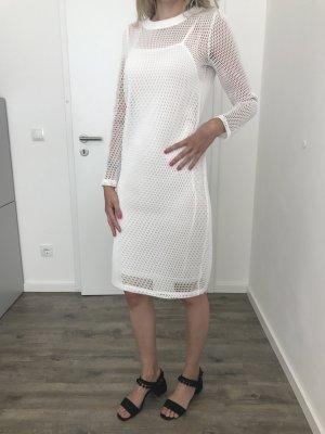 Extravagantes Kleid in Netzoptik