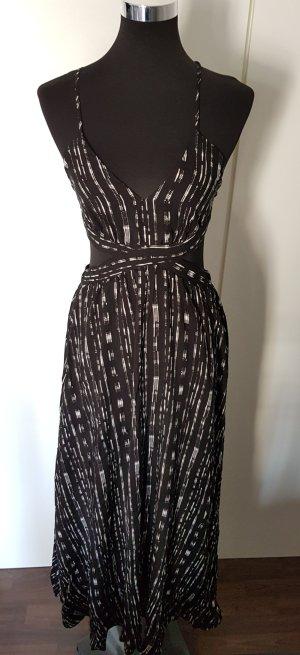 Extravagantes Kleid mit Cutouts