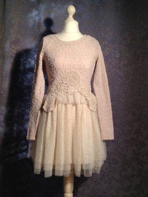 Extravagantes Kleid mit Tüllrock von Molly Bracken Größe T1
