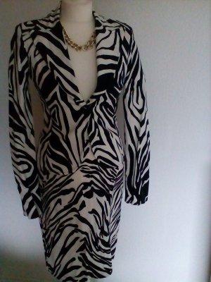 Extravagantes Kostüm im Zebramuster