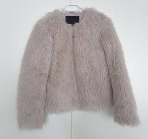 Fake-Fur Jacke in Nude BLOGGER-Liebling