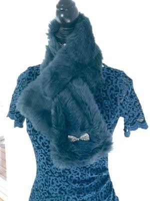 Fake Fur Kragen elegant verspielt