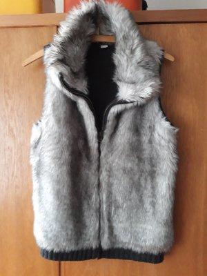 s.Oliver Fake Fur Vest grey