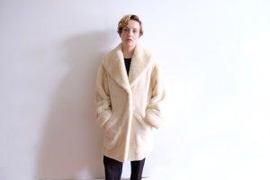 fakefur mantel cremeweiß flauschig oversize S M