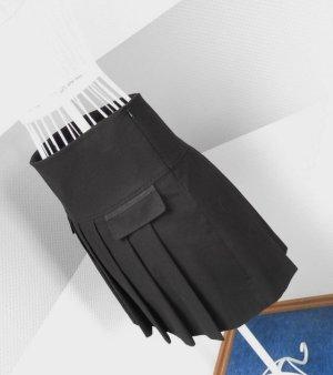 Faltenrock mit Seitenreißverschluss von Marc Aurel
