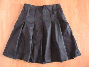 Faltenrock schwarz Gr. 36