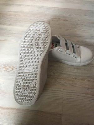 Fan sneaker