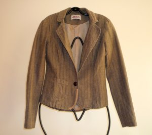 Fancy Blazer mit coolen Stickereien