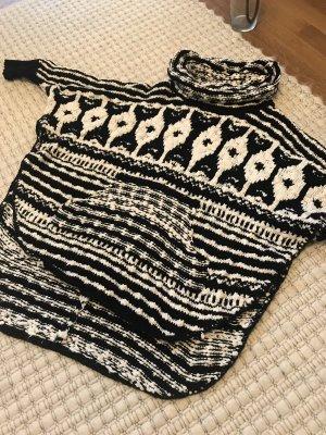 Fancy Poncho Pullover schwarz weiß Von Free People