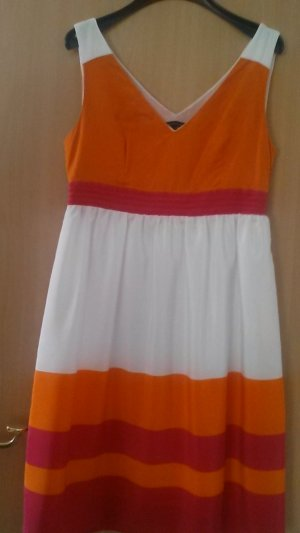 Fantastisches Kleid von Tommy Hilfiger in Größe 38