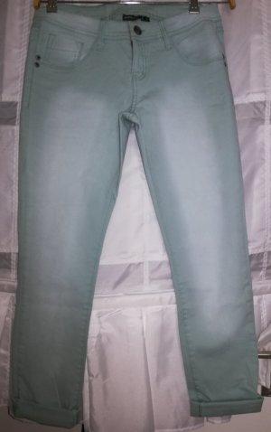 Farbe bekennen: Coole Türkisfarbene Jeans