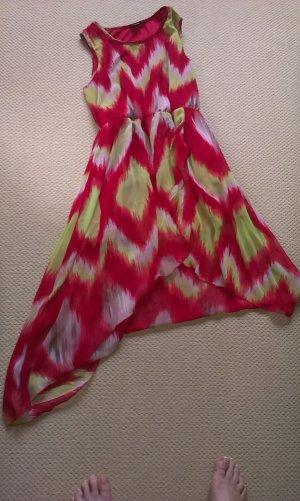 Farbenfrohe Kleid im Zick Zack Muster