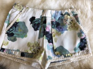 Farbenfrohe Shorts