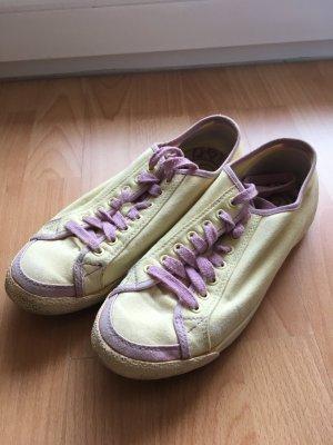 Farbenfrohe Sneaker von Diesel