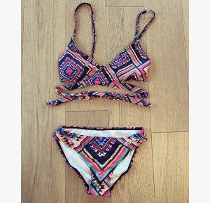 Farbenfroher Bikini