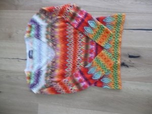 farbenfroher Pullover aus edlem Material