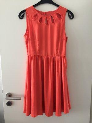 Farbenfrohes elegantes Kleid