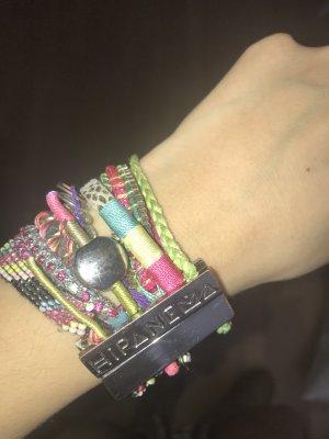 Farbenfrohes Hipanema Armband
