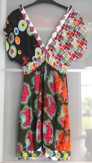 farbenfrohes Kleid von Desigual